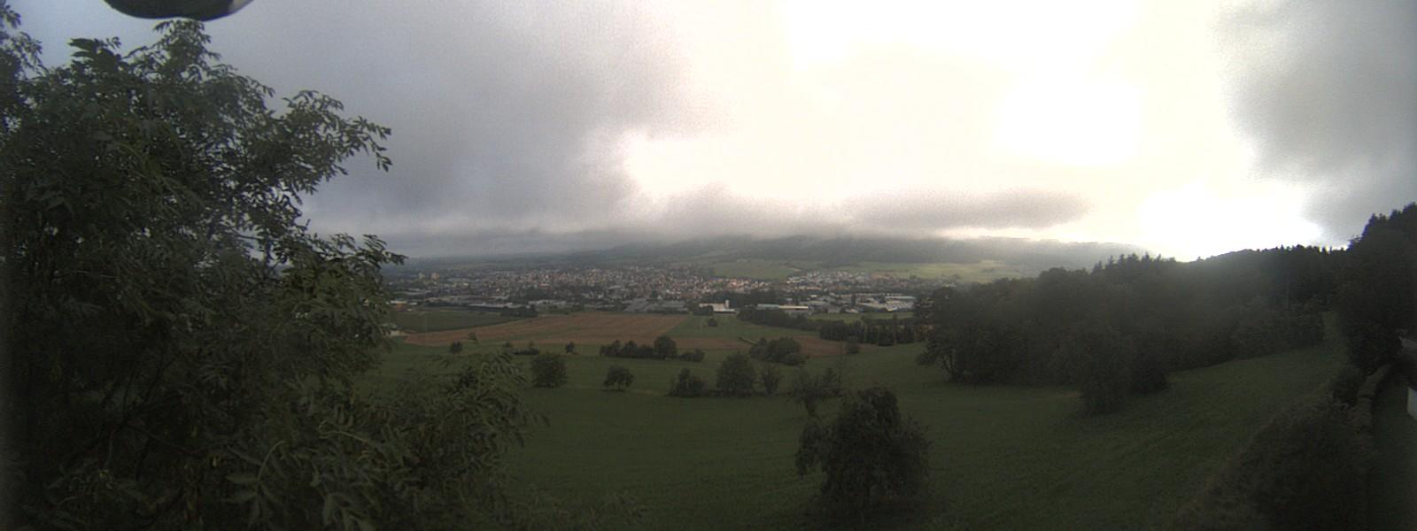 Blick über Spaichingen zum Dreifaltigkeitsberg, dem Klippeneck bis zum Lemberg